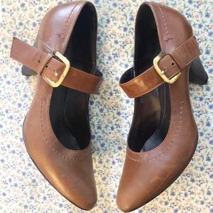 Andrea Mary Jane Brown Heels Size 8